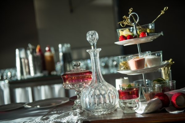 Sofitel-Gold-Coast-Broadbeach-Reception-Gatsby-Theme-Decanter-High-Tea-Stand