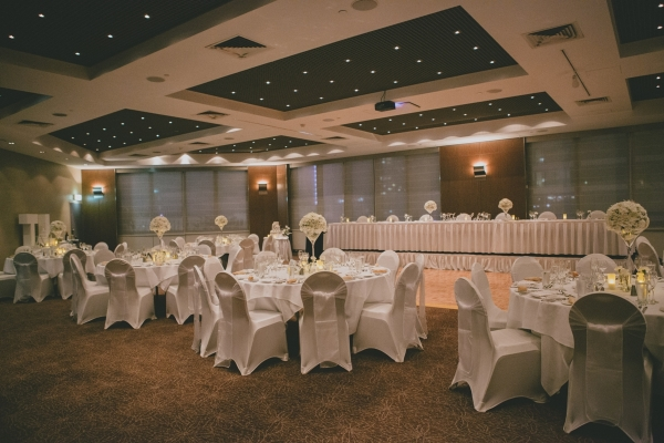 Sorrento Room Wedding Reception Venue with White Theme