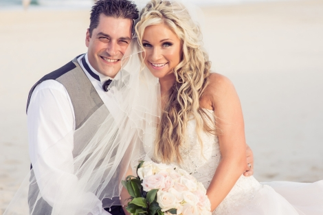 Sofitel-Gold-Coast-Broadbeach-beach-wedding-ceremony-bride-groom