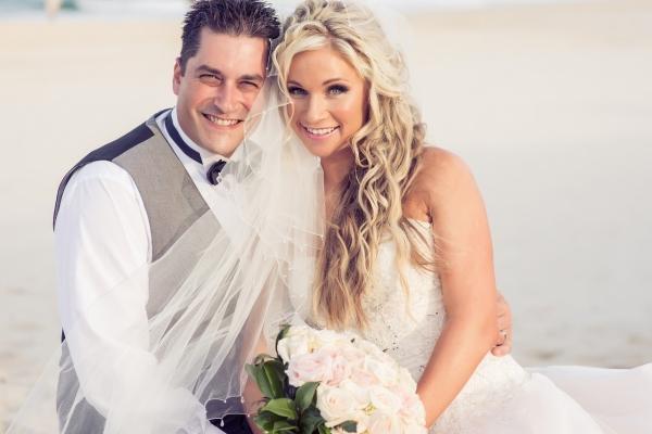 Sofitel-Gold-Coast-Broadbeach-beach-wedding-ceremony-bride-groom